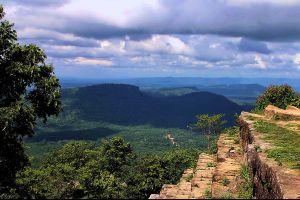 Khao-Phra-Wihan-National-Park-Sisaket-Ubon-Ratchathani-Thailand-03.jpg