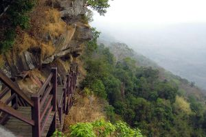Khao-Phra-Wihan-National-Park-Sisaket-Ubon-Ratchathani-Thailand-05.jpg