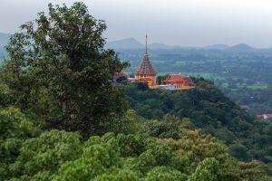 Khao-Sakae-Krang-Uthaithani-Thailand-03.jpg