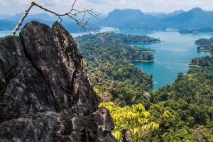 Khao-Sok-National-Park-Suratthani-Thailand-004.jpg