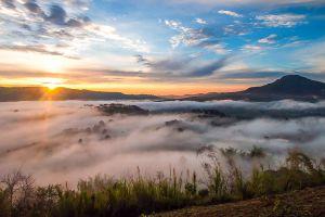Khao-Takian-Ngo-Petchaboon-Thailand-03.jpg