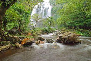 Khlong-Lan-National-Park-Kamphaengphet-Thailand-004.jpg