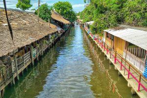 Khlong-Lat-Mayom-Floating-Market-Bangkok-Thailand-02.jpg