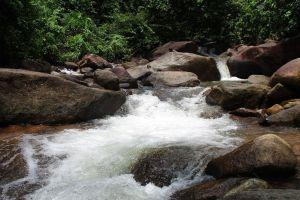 Khlong-Narai-Waterfall-Chanthaburi-Thailand-01.jpg