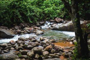 Khlong-Narai-Waterfall-Chanthaburi-Thailand-02.jpg
