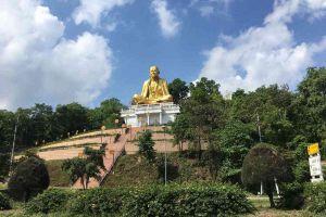Khruba-Sri-Wichai-Monument-Sinlatham-Chao-Lamphun-Thailand-02.jpg