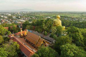 Khruba-Sri-Wichai-Monument-Sinlatham-Chao-Lamphun-Thailand-03.jpg