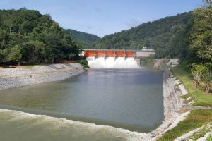 Kiew-Lom-Dam-Lampang-Thailand-06.jpg