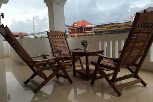 King-Boutique-Hotel-Siem-Reap-Cambodia-Balcony.jpg