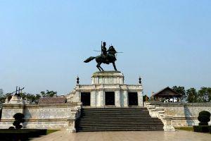 King-Naresuan-Monument-Ayutthaya-Thailand-06.jpg