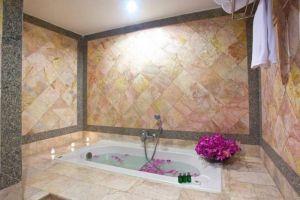 King-Park-Avenue-Hotel-Bangkok-Thailand-Bathroom.jpg