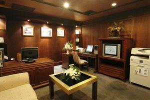 King-Park-Avenue-Hotel-Bangkok-Thailand-Reception.jpg