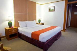 King-Park-Avenue-Hotel-Bangkok-Thailand-Room.jpg