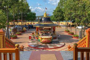 King-Taksin-Shrine-Chanthaburi-Thailand-03.jpg