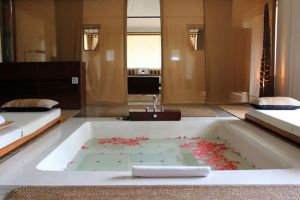 Kirimaya-Golf-Resort-Spa-Nakhon-Ratchasima-Thailand-Bathroom.jpg