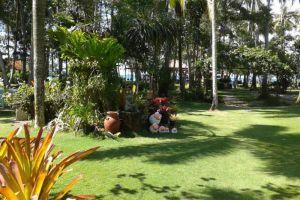 Ko-Kut-Ao-Phrao-Beach-Resort-Koh-Kood-Thailand-Garden.jpg