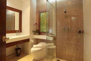 Kodchasri-Thani-Hotel-Chiang-Mai-Thailand-Bathroom.jpg