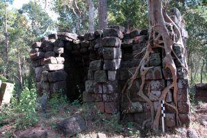 Koh-Ker-Temple-Preah-Vihear-Cambodia-004.jpg