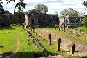 Koh-Ker-Temple-Preah-Vihear-Cambodia-005.jpg