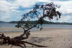 Koh-Lawa-Yai-Phang-Nga-Thailand-02.jpg