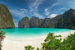 Koh-Phi-Phi-Le-Krabi-Thailand-001.jpg