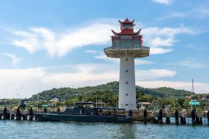 Koh-Sichang-Chonburi-Thailand-02.jpg