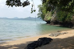 Koh-Talabeng-Lanta-Krabi-Thailand-02.jpg