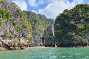 Koh-Talabeng-Lanta-Krabi-Thailand-05.jpg