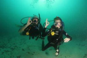 Koh-Tao-Divers-Thailand-001.jpg