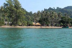 Koh-Tonsay-Kep-Cambodia-001.jpg