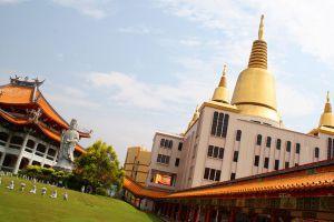 Kong-Meng-San-Phor-Kark-See-Monastery-Singapore-002.jpg