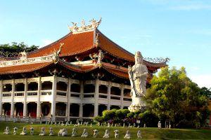 Kong-Meng-San-Phor-Kark-See-Monastery-Singapore-003.jpg