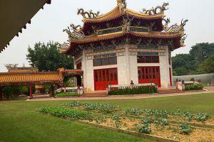 Kong-Meng-San-Phor-Kark-See-Monastery-Singapore-005.jpg