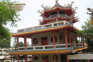 Kong-Meng-San-Phor-Kark-See-Monastery-Singapore-006.jpg