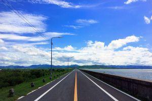 Krasiao-Dam-Suphan-Buri-Thailand-02.jpg