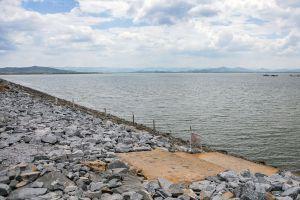 Krasiao-Dam-Suphan-Buri-Thailand-04.jpg