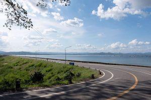 Krasiao-Dam-Suphan-Buri-Thailand-05.jpg