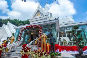 Krom-Luang-Chumphon-Khet-Udomsak-Shrine-Thailand-05.jpg
