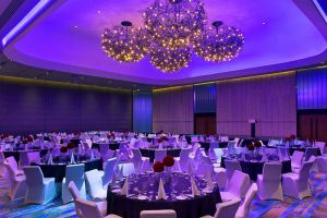Kuala-Lumpur-Aloft-Sentral-Hotel-Meeting-Room.jpg