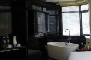 Kuala-Lumpur-Arenaa-Star-Hotel-Bathroom.jpg