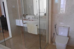 Kuala-Lumpur-Brunsfield-Embassyview-Condosuite-Bathroom.jpg