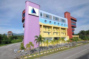 Kuala-Melaka-Inn-Langkawi-Kedah-Facade.jpg