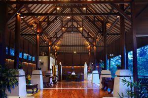Kupu-Kupu-Barong-Villas-Spa-Bali-Indonesia-Lobby.jpg
