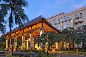 Kuta-Paradiso-Hotel-Bali-Indonesia-Entrance.jpg