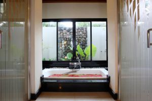 La-Flora-Resort-Spa-Khaolak-Thailand-Bathroom.jpg