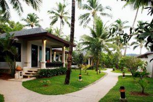 La-Flora-Resort-Spa-Khaolak-Thailand-Garden.jpg