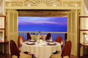 La-Veranda-Resort-Phu-Quoc-Island-Vietnam-Dining-Room.jpg