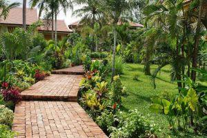 La-Veranda-Resort-Phu-Quoc-Island-Vietnam-Garden.jpg