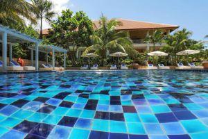 La-Veranda-Resort-Phu-Quoc-Island-Vietnam-Pool.jpg