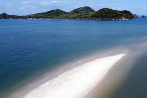 Laem-Had-Beach-Phang-Nga-Thailand-02.jpg